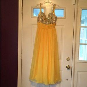 Long yellow prom dress Tiffany size 10 new